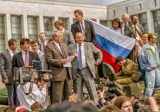 Две вехи отечественной государственности 20 века. Ленин против Ельцина.