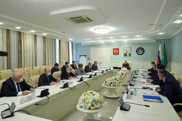 В Адыгее обсудили перспективы развития электроэнергетики
