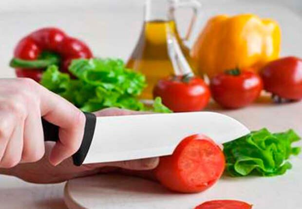 Как порезать овощи и не порезаться