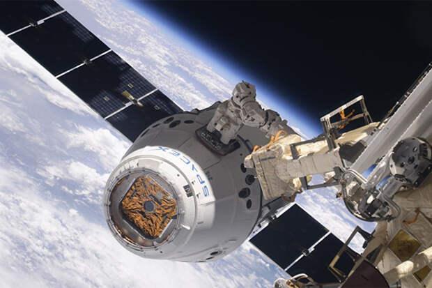 Crew Dragon с астронавтами все же прибывает на МКС