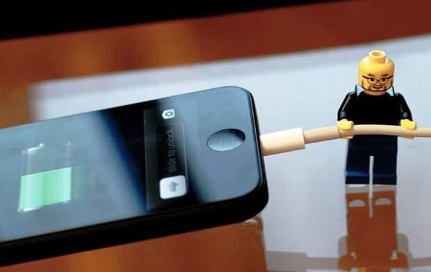 Эксперт объяснил, почему нельзя заряжать смартфон ночью