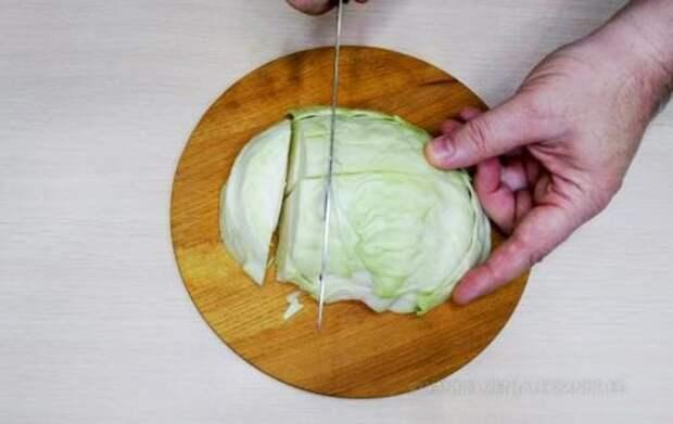 Как мы круглый год маринуем вкусную капусту и шинковать не нужно. Нарезаю ломтиками, заливаю кипятком