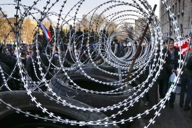 США отгородят Украину от Крыма колючей проволокой