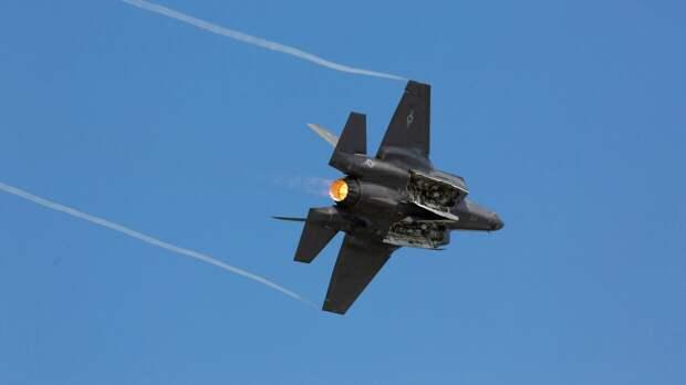 """В США рассказали, почему американские летчики не скоро получат лазерные """"пушки"""""""