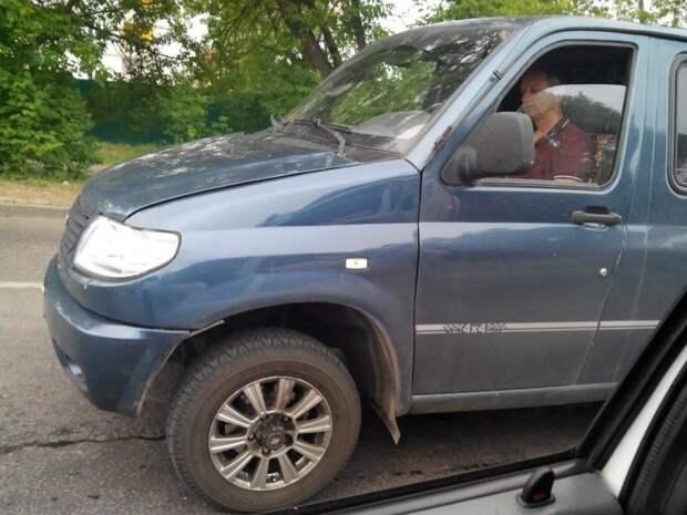 Во Владимирской области очевидцы сфотографировали редкий фургон, над которым марка УАЗ работала 15 лет назад. авто, автомобили, буханка, концепт, концепт-кар, уаз, уаз буханка, фургон