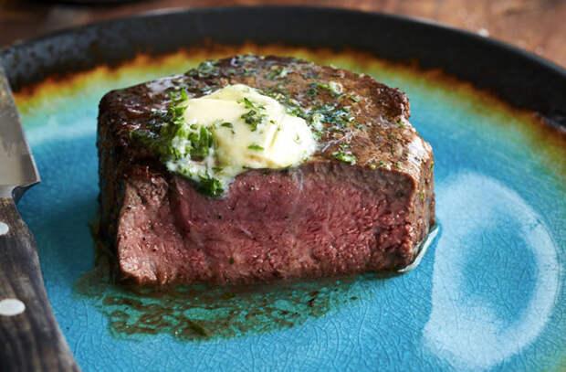 Жарим вырезку сочным куском: 5 поварских рецептов