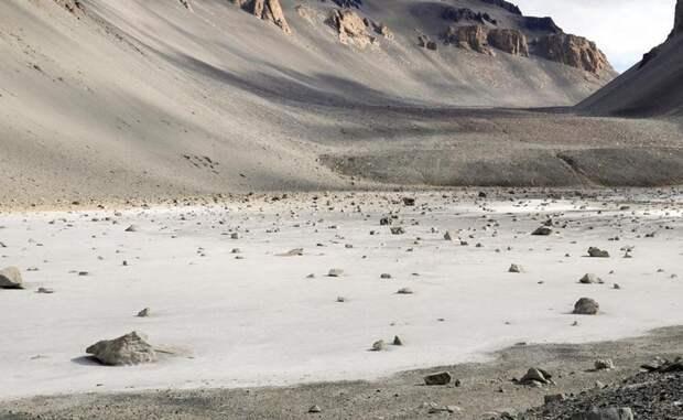 Самое соленое озеро в мире находится в Антарктиде