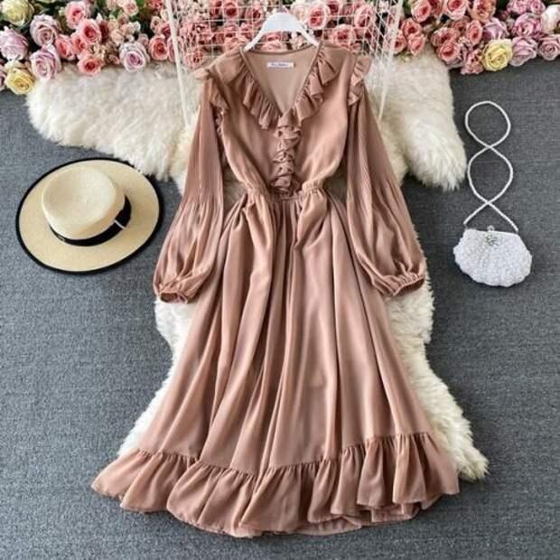 Платье. 1290 руб.