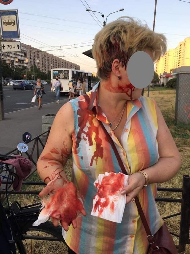 Эпидемия женской агрессии в Петербурге: почему дамы бьются самокатами и шипят газом