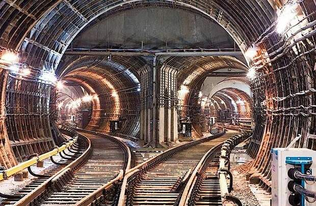 Какие интересные артефакты были обнаружены при строительстве московского метро