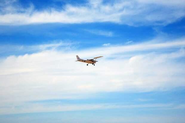 Якутские власти сбросили с  самолета около тонны картошки