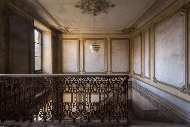 abandonedstairs_1-59da2d491c48a__880