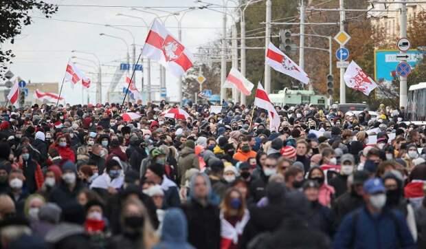 Эксперт о новых провокациях белорусской оппозиции: Власти будут вынуждены применить боевое оружие