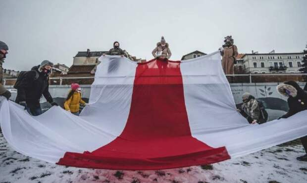 Политический кризис в Белоруссии – взгляд с Запада.На белорусском направлении Запад предпочитает игру в долгую