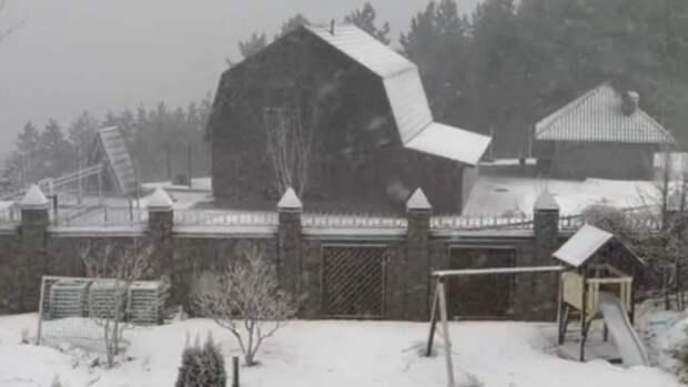 Белокуриху засыпало снегом