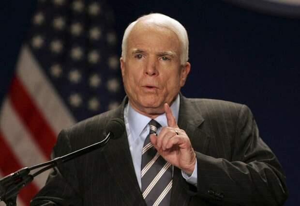 Россия заплатит за оккупацию Крыма и агрессию в Украине - Маккейн