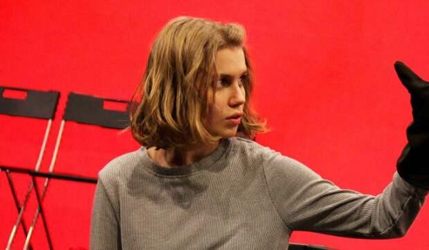 Оставшаяся без волос Дарья Мельникова снялась голой