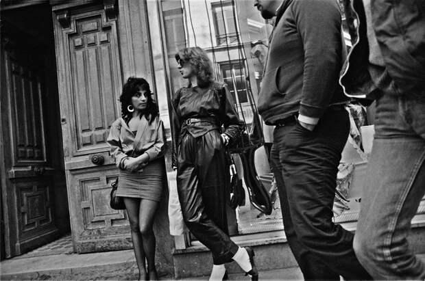 Труженицы секс-индустрии с улицы Сен-Дени. Фотограф Массимо Сормонта 38