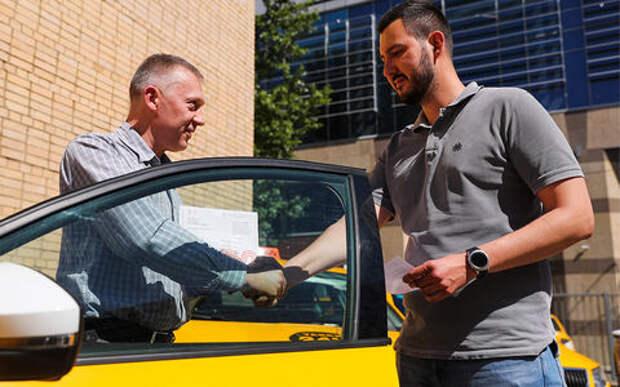 Вышли из тени: легальных таксистов стало в 6 раз больше