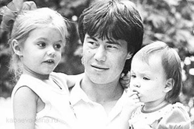маленькая Алина Кабаева, её отец и сестра Лисана фото