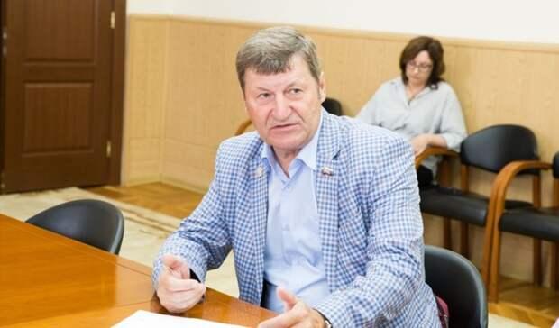 В суде снова рассмотрят законность лишения Владимира Фролова слова в Заксобе
