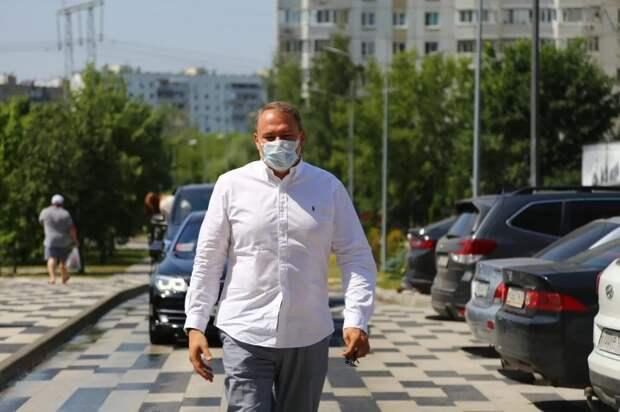Петра Толстого попросили помочь с переносом автобусной остановки в Выхино-Жулебино