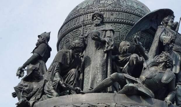 Пока в Москве нет памятника Ивану III, РФ Россией не является