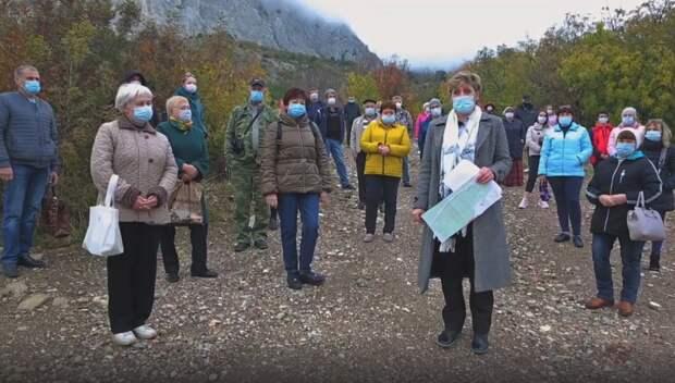 Жители Фороса попросили Путина остановить беззаконие в поселке