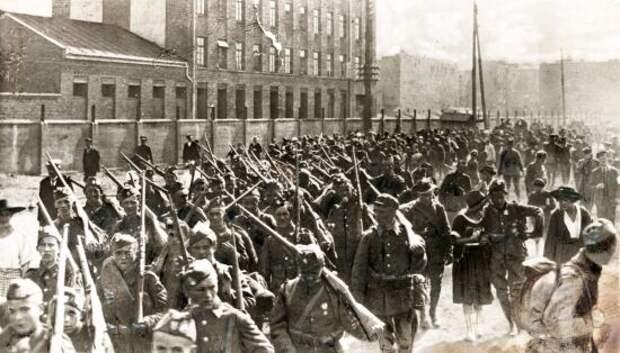 Владимир Корнилов напомнил, как 100 лет назад Украина оказалась в оккупации Польши