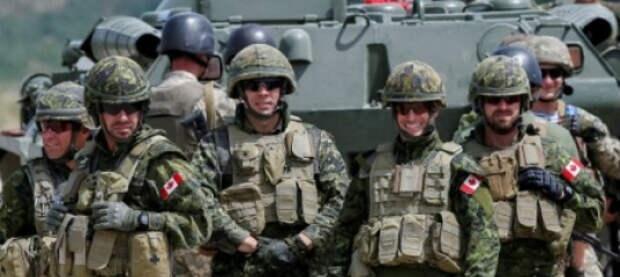 Канадские военные инструкторы бегут с Украины