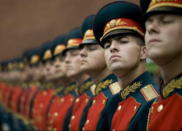 В Москве с 31 июля возобновят церемонию развода караулов