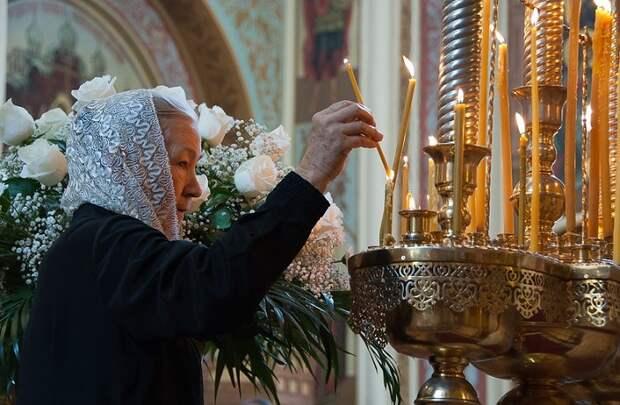 Православные церковные праздники в январе 2021: Рождество Христово и Крещение