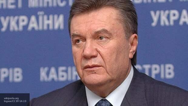 Адвокаты Януковича обвинили Порошенко и Яценюка во лжи о событиях 2014 года