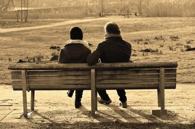 Встретил молодую и красивую женщину, решил уйти из семьи и жениться во второй раз, но сильно об этом пожалел