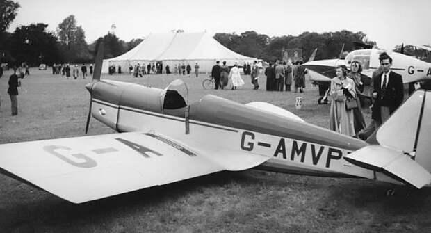 Tipsy Junior G-AMVP 1953.jpg
