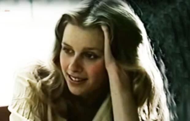кадр из фильма «Меня зовут Арлекино», 1988 год