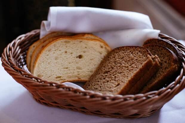 Как размягчить черствый хлеб. 3 простых способа