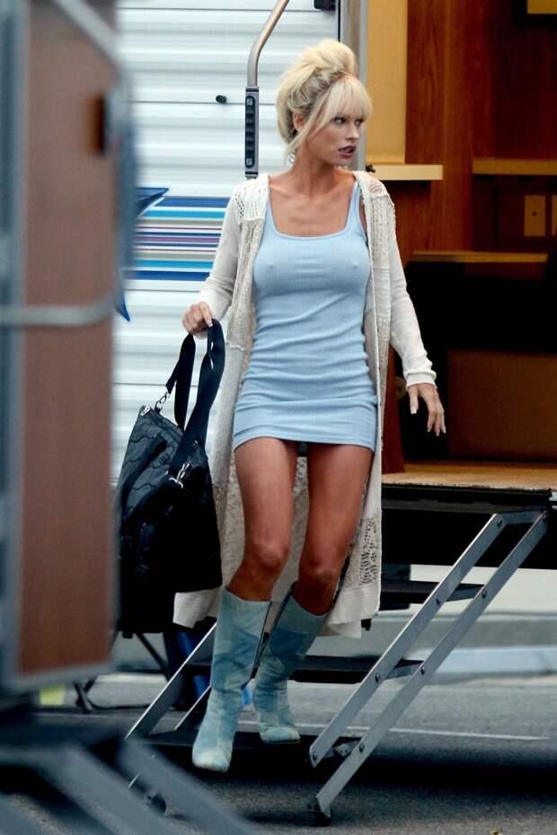 Стилисты превратили скромную актрису в копию Памелы Андерсон