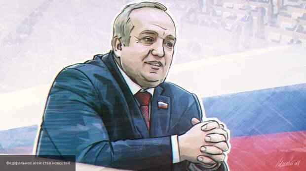 «Нам придется помогать Беларуси»: Клинцевич о действиях РФ в случае вспышки COVID-19