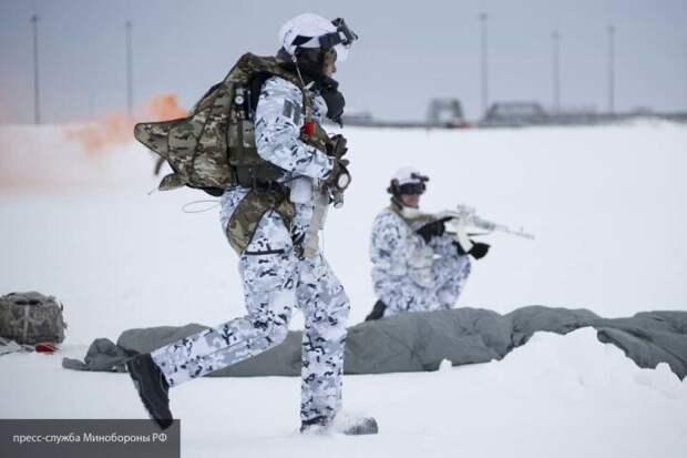 Дандыкин: Россия укрепляет флот для обороны Арктики от США