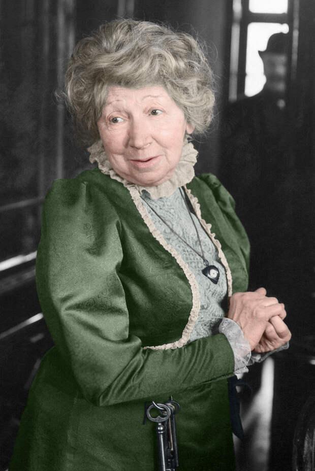 Королева гротеска Рина Зелёная, изображение №18