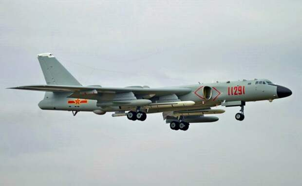 Напряженность усиливается: Китай разместил крупные бомбардировщики на индийской границе