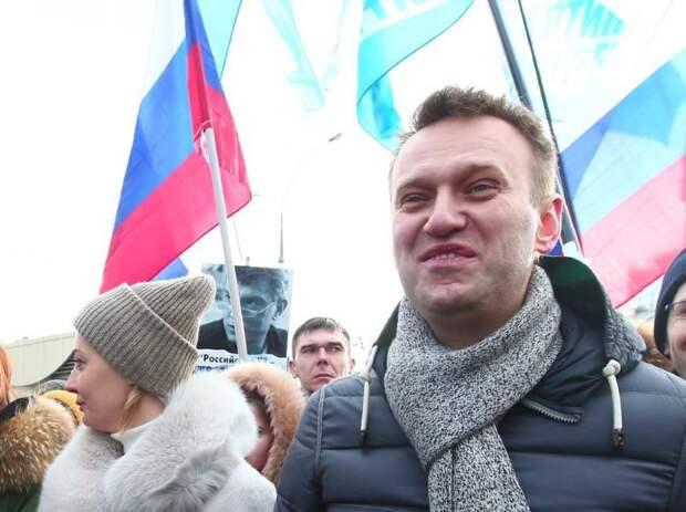 Навальный призвал Россию признать суверенитет Киева над Донбассом