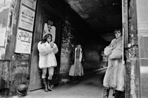 Труженицы секс-индустрии с улицы Сен-Дени. Фотограф Массимо Сормонта 53