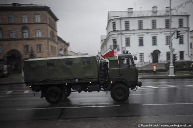 В Минске снова жесть и водомёты.