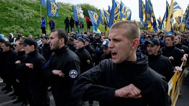 Ультраправый террор в преддверии повышения тарифов. Почему Нацкорпус и СБУ сообща нападают на украинскую оппозицию