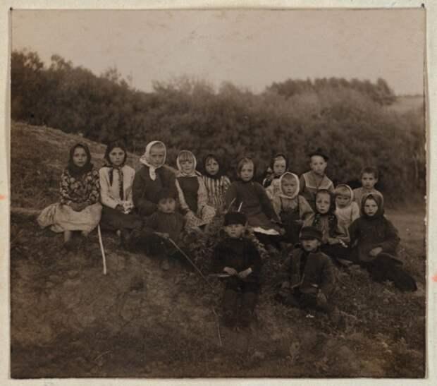 Дети Российской империи. /Фото: ic.pics.livejournal.com