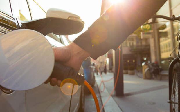 Говорят, спрос на электромобили вырастет. Верить?