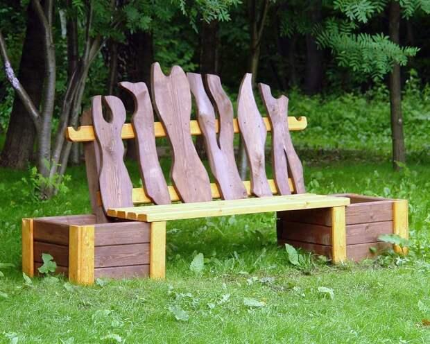 скамейка с кадками