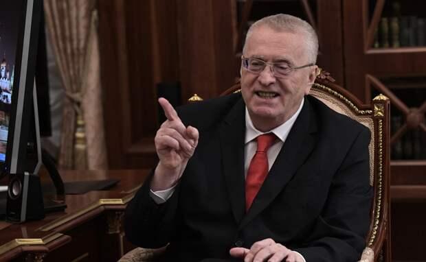 Жириновский потребовал вдвое уменьшить число депутатов в стране